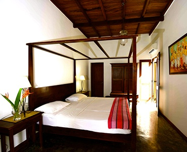 Courtyard Room - The Three Sisters - Sri Lanka In Style