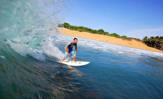 Surf's up in Arugam Bay - Arugam Bay -  Sri Lanka In Style