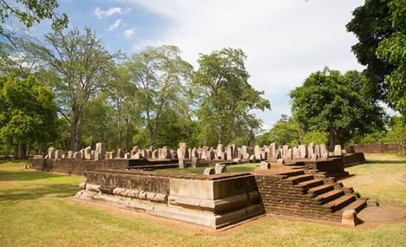 Cycle through UNESCO Anuradhapura with a local guide - Anuradhapura -  Sri Lanka In Style