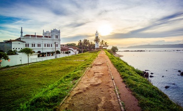 Galle Fort walk with a local - Ambalama - Sri Lanka In Style
