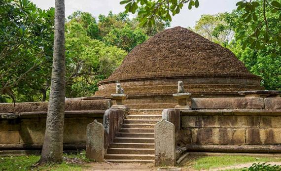 A Visit to Magul Maha Viharaya - Arugam Bay -  Sri Lanka In Style