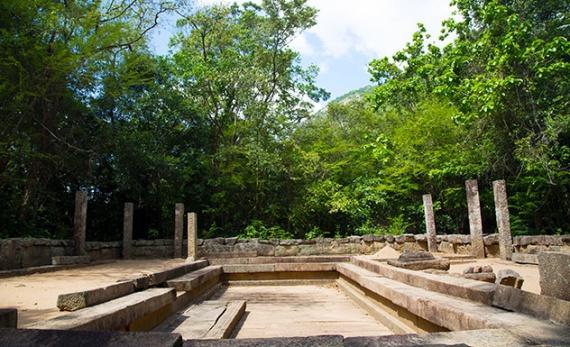A visit to Ritigala Monastery - Anuradhapura -  Sri Lanka In Style