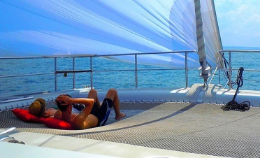 Sailing and snorkeling on a catamaran – Passikudah and Trincomalee - Jungle Beach - Sri Lanka In Style