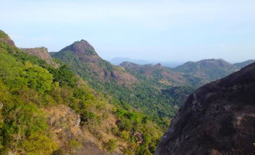 Gal Oya experience: climb monkey mountain - Gal Oya Lodge - Sri Lanka In Style
