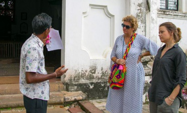 History and architecture walk around Galle Fort - Sisindu T - Sri Lanka In Style